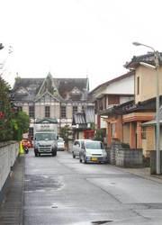 住宅街から唐津歴史民俗資料館